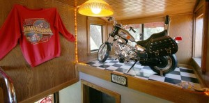Featherbed_Railroad__Easy_Rider_room