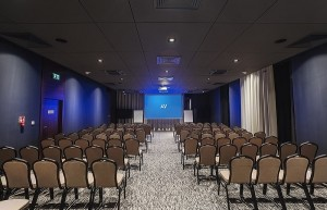 Heron_Hotel_Conference_Room_meetingpl